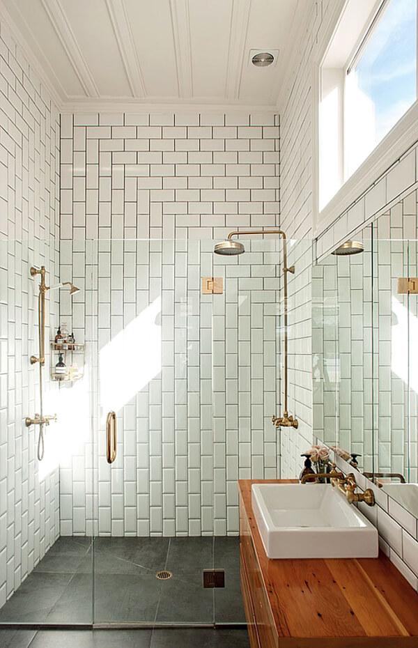 salle-de-bain-carrelage-blanc-chic