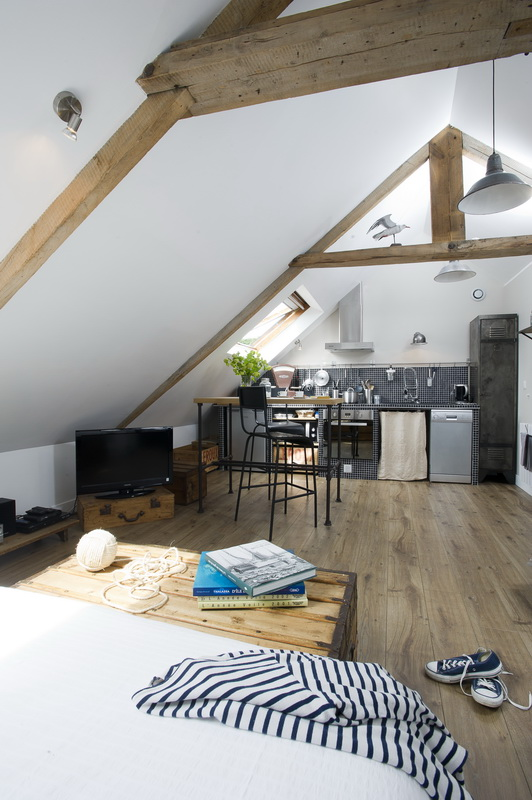 un mini loft industriel sous les toits en normandie maison allaert blog. Black Bedroom Furniture Sets. Home Design Ideas