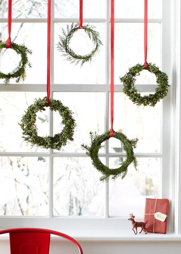 Retrouvez plein d'idées de couronne de Noel à accrocher aux murs