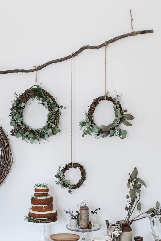 Envie de bricolage ? Apprenez comment réaliser une couronne de Noel faite main