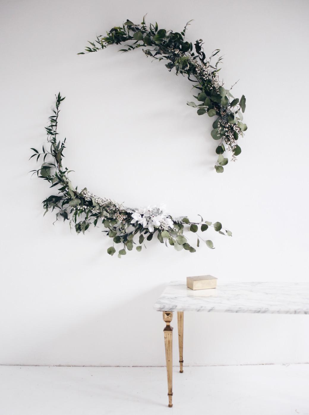 Découvrez une selection de tutoriels pour créer une couronne de Noel originale dans votre déco