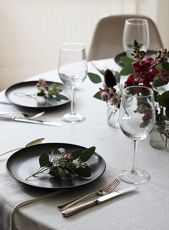 Idée déco pour une table de Noël naturelle et rustique