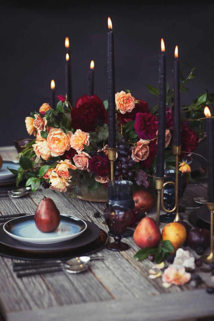 Inspiration déco pour une table de Noel originale, baroque et extravagante