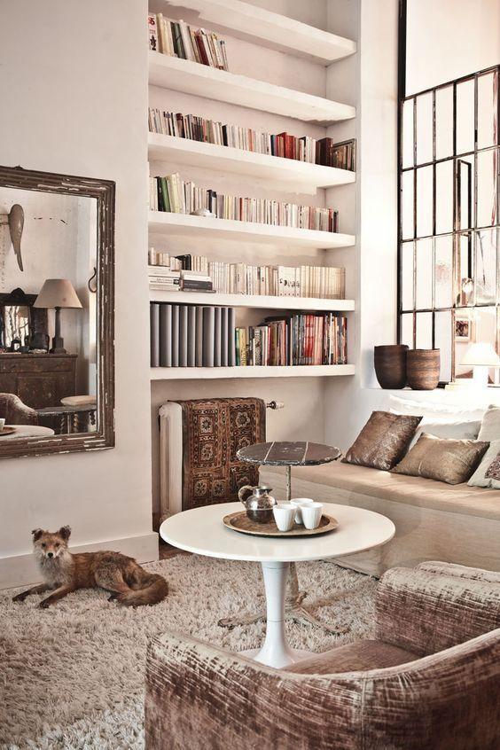 Idée déco pour une bibliothèque dans le salon