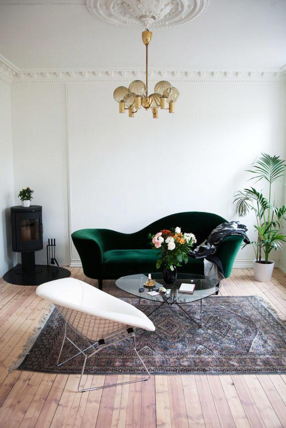 Quelle couleur avec un canapé vert en velours
