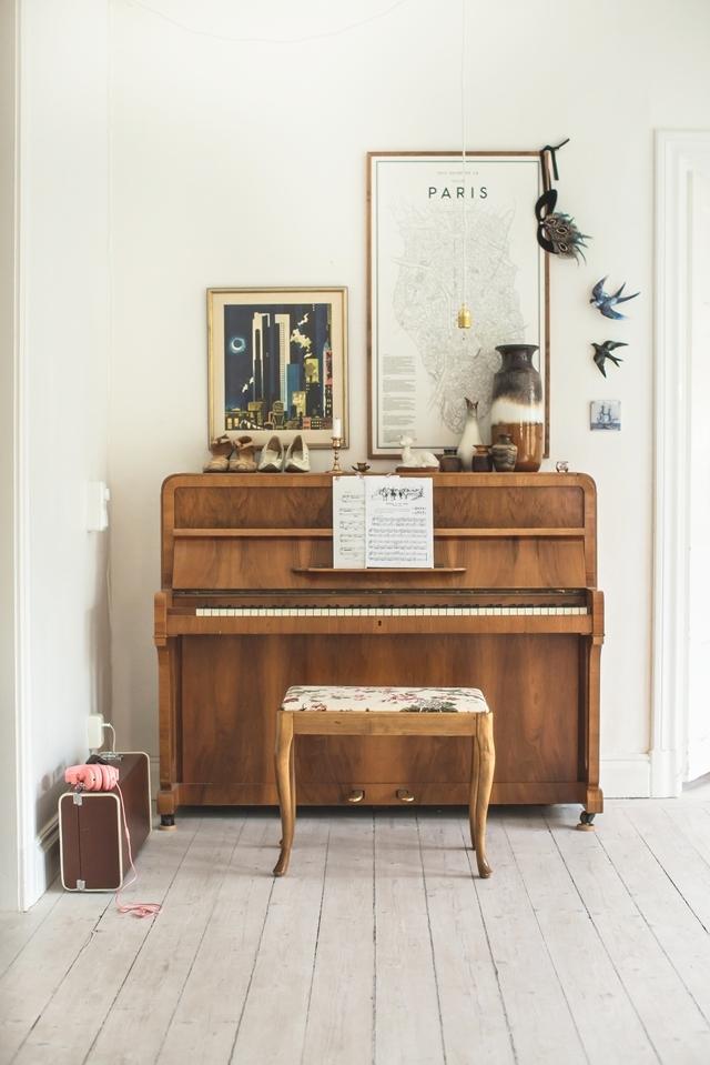 Jolie décoration d'un piano droit